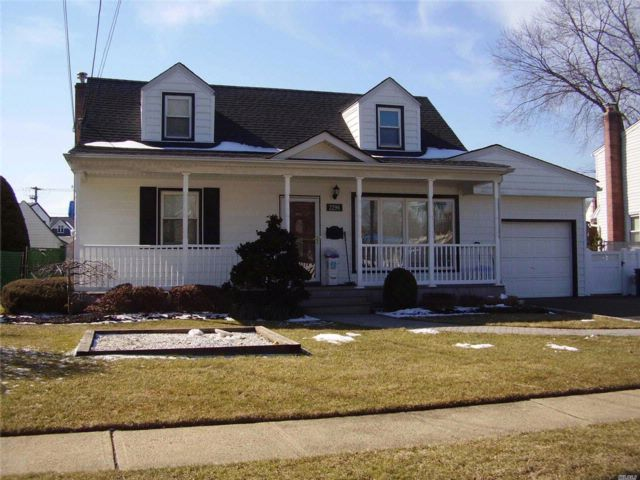 4 BR,  2.00 BTH Exp cape style home in East Meadow