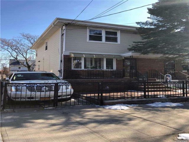 3 BR,  2.50 BTH  2 story style home in South Ozone Park