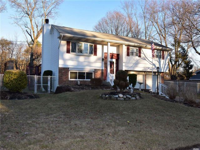 3 BR,  1.50 BTH  Hi ranch style home in South Setauket