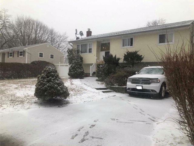 4 BR,  2.00 BTH  Hi ranch style home in Central Islip