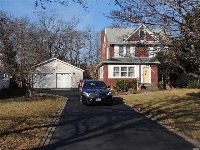 4 BR,  1.50 BTH  Colonial style home in Wantagh