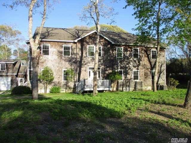 5 BR,  4.50 BTH Traditional style home in Southampton