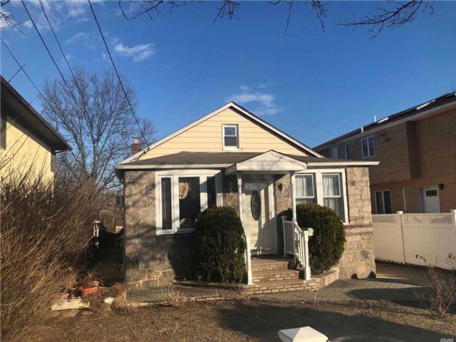 [Elmont Real Estate, listing number 3044478]