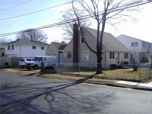 [Copiague Real Estate, listing number 3044584]