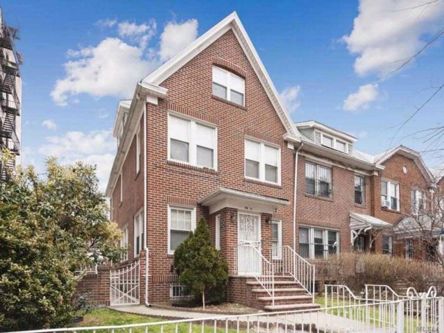 [Jackson Heights Real Estate, listing number 3044589]
