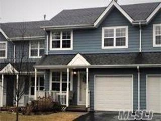 2 BR,  1.50 BTH Homeowner assoc style home in Central Islip