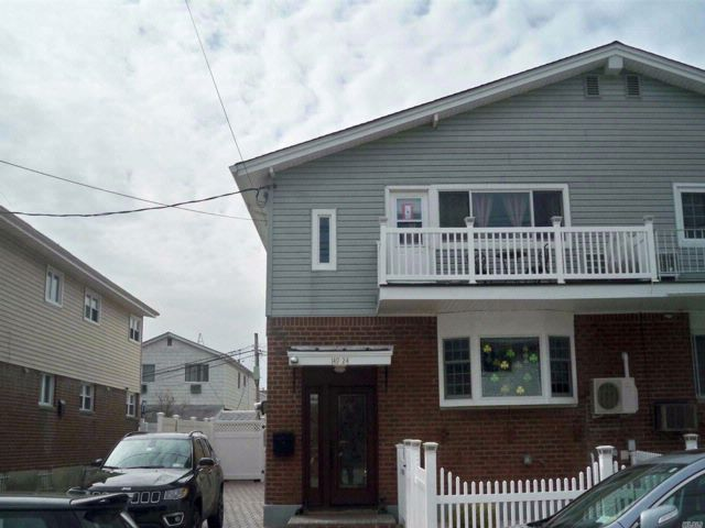 [Howard Beach Real Estate, listing number 3045170]