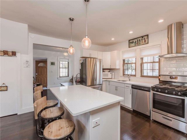 3 BR,  2.00 BTH Cape style home in East Northport