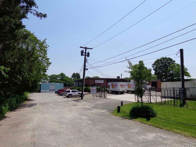 Studio,  0.00 BTH  Ind style home in Port Jefferson Station