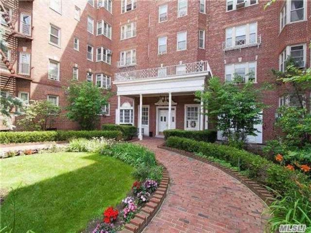 [Jamaica Hills Real Estate, listing number 3045805]