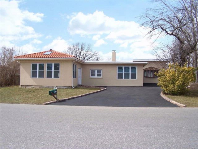 4 BR,  2.00 BTH Exp ranch style home in Farmingdale