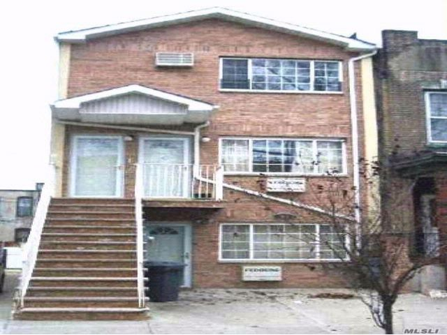 7 BR,  6.50 BTH Other style home in Brownsville