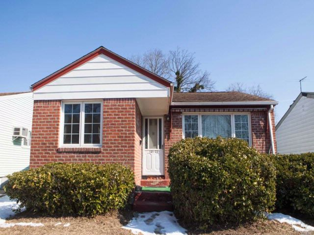 3 BR,  1.00 BTH Ranch style home in Laurelton