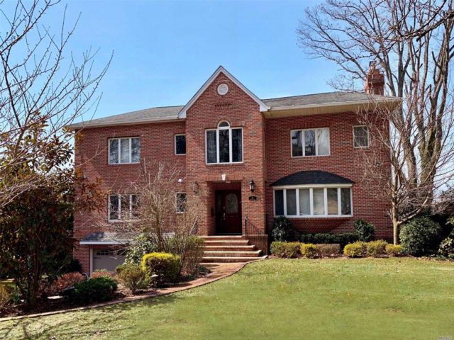 [Manhasset Real Estate, listing number 3047015]