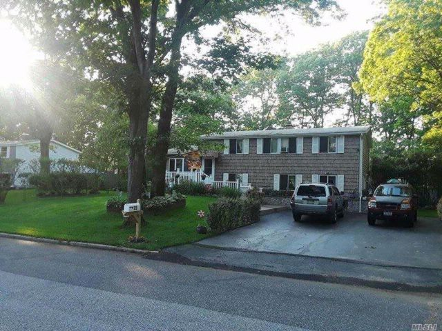 5 BR,  3.00 BTH  Colonial style home in East Setauket
