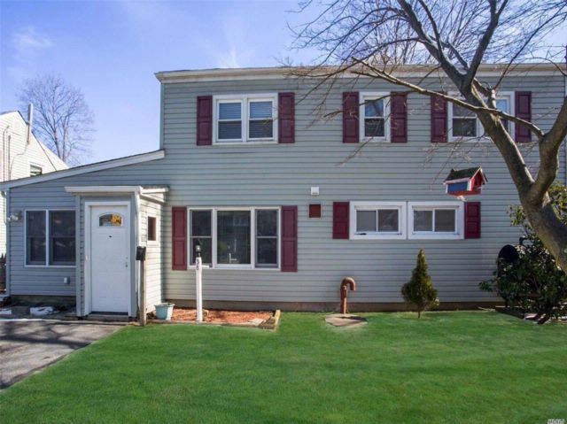 [Levittown Real Estate, listing number 3047951]