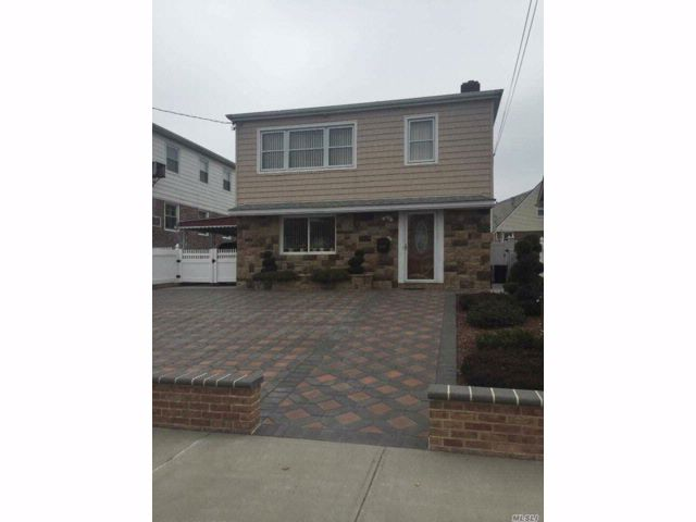 [Howard Beach Real Estate, listing number 3048408]