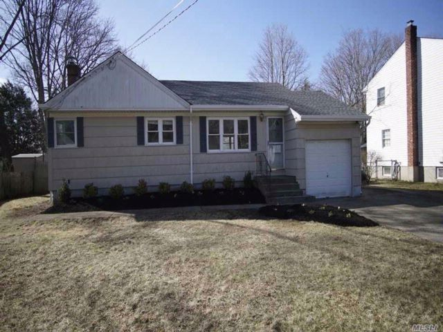 [Smithtown Real Estate, listing number 3048667]