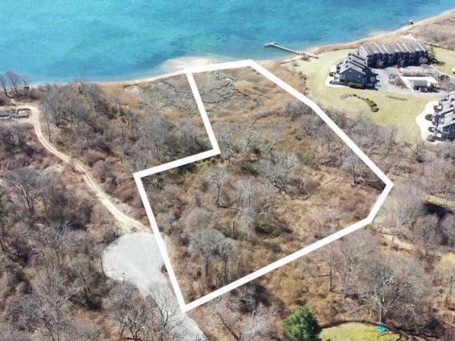 Lot <b>Size:</b> 4.27 acres  Land style home in East Moriches