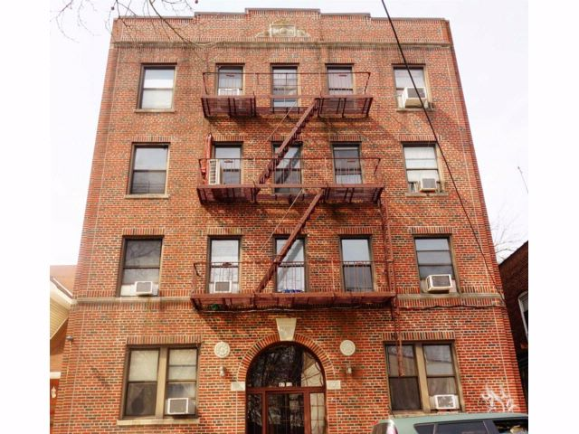 Studio,  0.00 BTH Apt house style home in Woodhaven