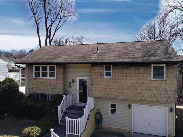[East Patchogue Real Estate, listing number 3049123]