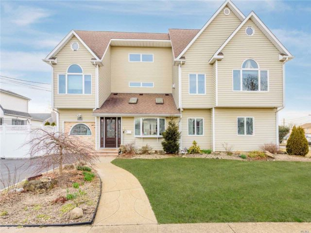 [Wantagh Real Estate, listing number 3049271]