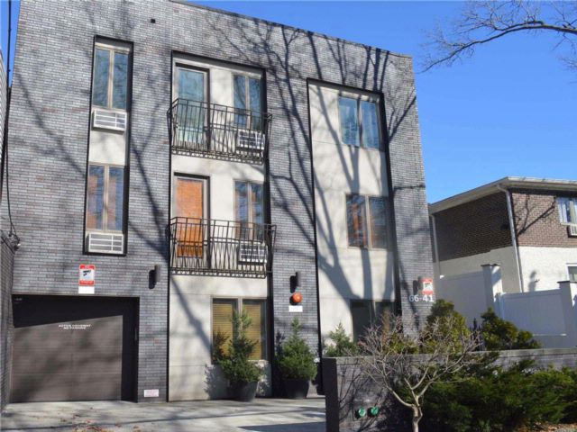 1 BR,  1.00 BTH Condo style home in Middle Village