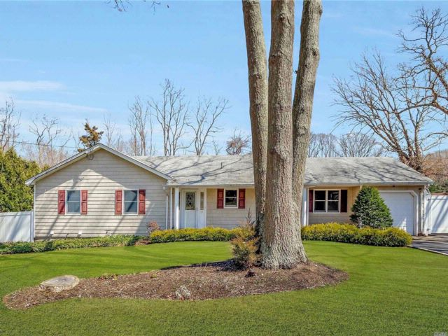 3 BR,  1.50 BTH Ranch style home in Rocky Point