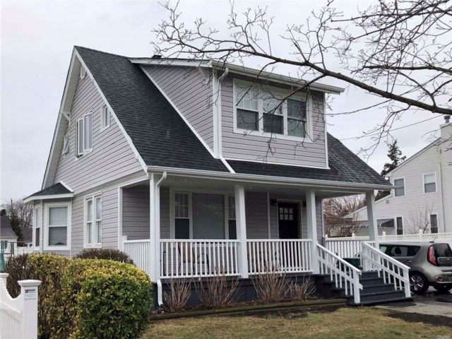 3 BR,  3.50 BTH  Colonial style home in East Meadow