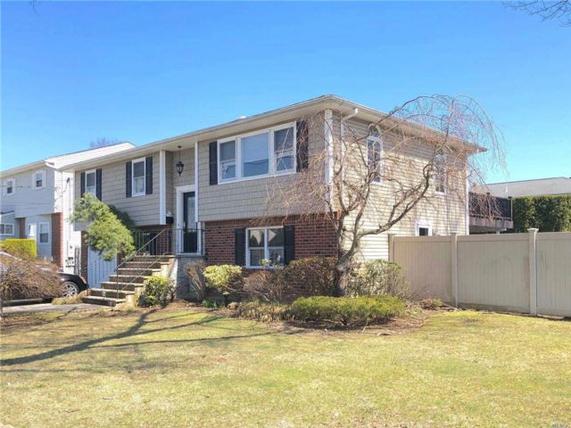 [East Meadow Real Estate, listing number 3049758]