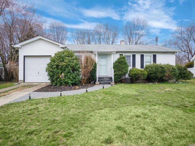 3 BR,  1.50 BTH Exp ranch style home in Port Jefferson Station
