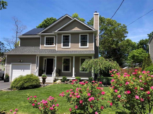 3 BR,  2.50 BTH  Colonial style home in Rocky Point