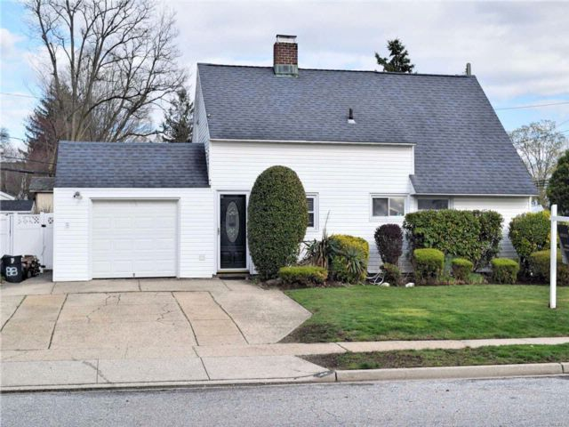 [Levittown Real Estate, listing number 3050338]