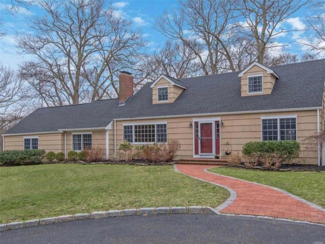 4 BR,  2.00 BTH Cape style home in Stony Brook