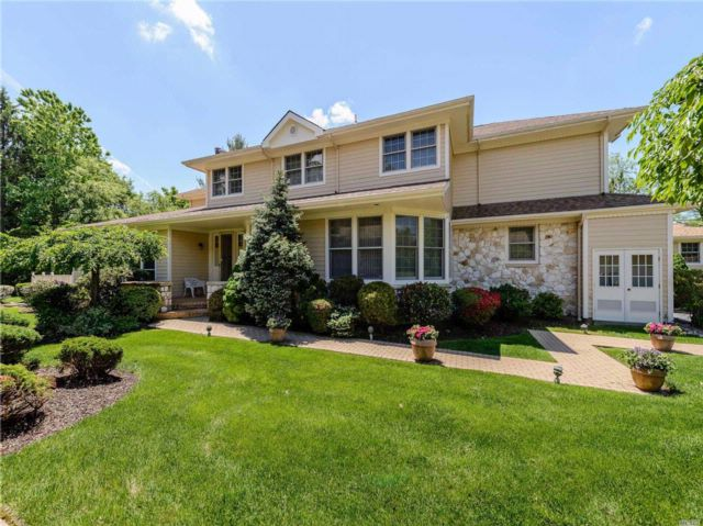 3 BR,  3.50 BTH Homeowner assoc style home in Roslyn