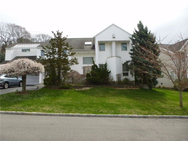 4 BR,  3.50 BTH Contemporary style home in Roslyn