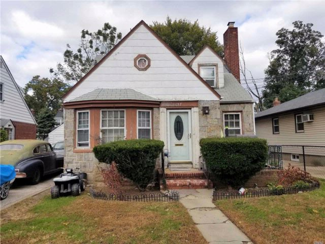 4 BR,  1.00 BTH  Cape style home in Hempstead