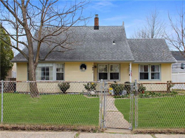 [Levittown Real Estate, listing number 3050625]