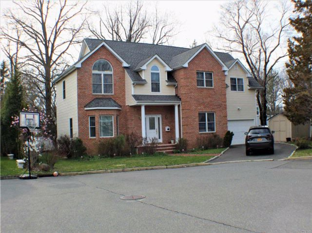 [Glen Cove Real Estate, listing number 3050691]