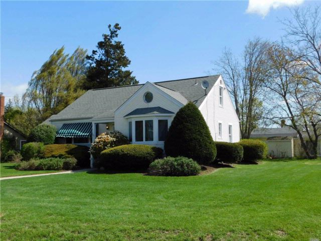 2 BR,  2.00 BTH  Ranch style home in South Jamesport