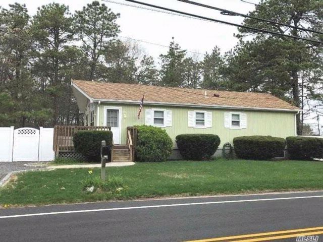 [Manorville Real Estate, listing number 3051481]