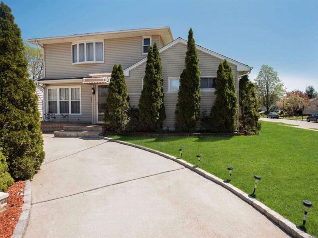 [East Meadow Real Estate, listing number 3051482]