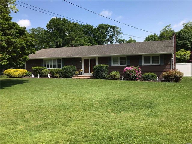 2 BR,  2.00 BTH  Ranch style home in East Patchogue