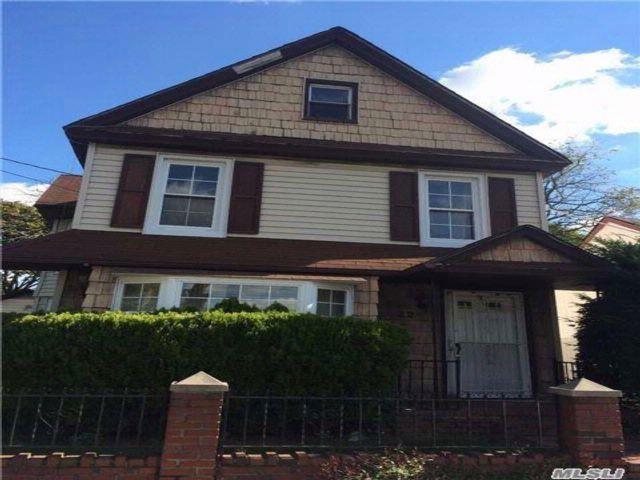 2 BR,  1.50 BTH  Colonial style home in Roosevelt