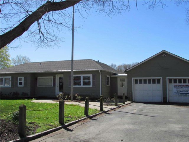 Studio,  0.00 BTH Ind style home in Medford