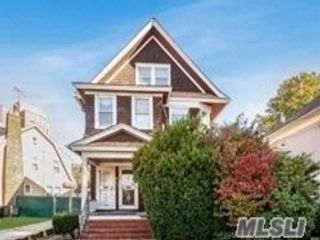 5 BR,  2.50 BTH Colonial style home in Kew Gardens