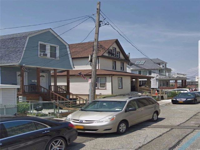 10 BR,  6.00 BTH  Other style home in Rockaway Beach
