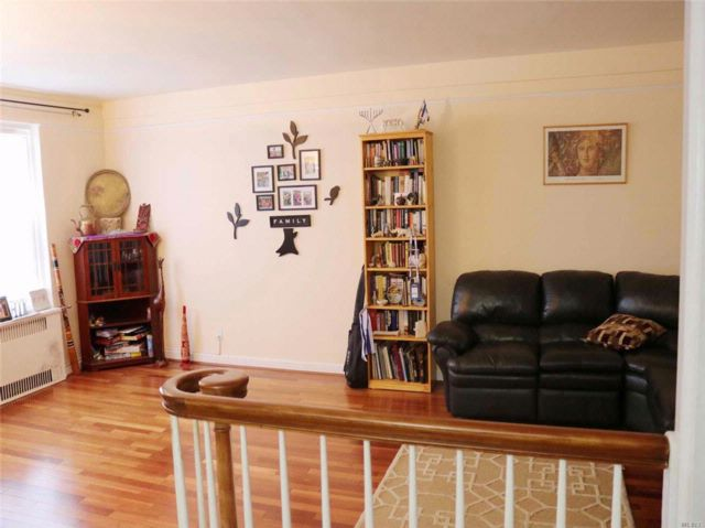 1 BR,  1.00 BTH Co-op style home in Lawrence