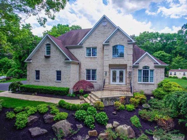 [Smithtown Real Estate, listing number 3054437]