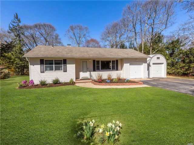 3 BR,  1.00 BTH  Ranch style home in Mattituck
